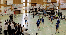 Das Volleyballspiel Schüler-Lehrer gewannen - wieder einmal - die Lehrer!