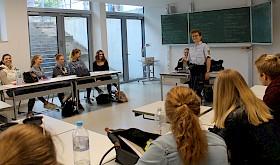 Beim BOGY-Tag gab es hilfreiche Tipps zur Berufswahl und Bewerbung, beispielsweise von Bianca Erb von der Mannheimer Polizei.