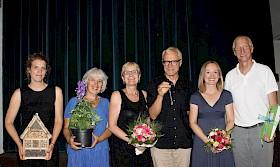 Sie verlassen das Hebel: Linda Ohlmeier, Andrea Krohne, Uschi Stolz, Herbert Posada, Anika Ohm, Christoph Fisches.