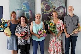 Sie verlassen das Hebel: Veronika Satow, Johanna Schwichtenberg, Roswita Darougar, Karla Vesenmayer und Christian Klein.