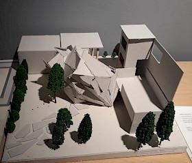 Abb. 2: Kristalliner Raum als Verbindung zwischen Balkon und Garage