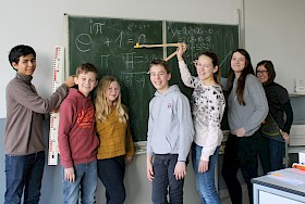 Die Knobel-Talente der Mathe-AG haben beim Landeswettbewerb Mathematik wieder Preise gewonnen: Eliseo Carrasco Krämer, Moritz und Helene Brand, Vincent Birkel, Anna-Sophia Hoffmann, Roxana Gulde und Natalia Bousda.