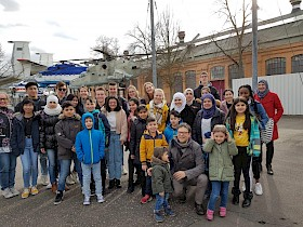 Die Soli-AG des Hebel-Gymnasiums hatten Kinder aus Flüchtlingsfamilien zu einem Ausflug in Speyerer Technik-Museum eingeladen.