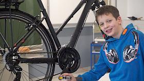 """""""Mathematik ist überall – beispielsweise in der Gangschaltung eines Fahrrads"""", erklärt Hebel-Schüler Sebastian Conrad im Kurzvideo."""